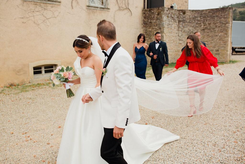 wedding planner rhone red dress