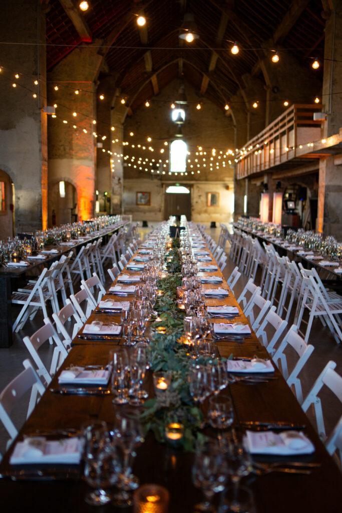 table en bois mariage table banquet mariage vegetal bougie wedding planner lyon organisation mariage beaujolais