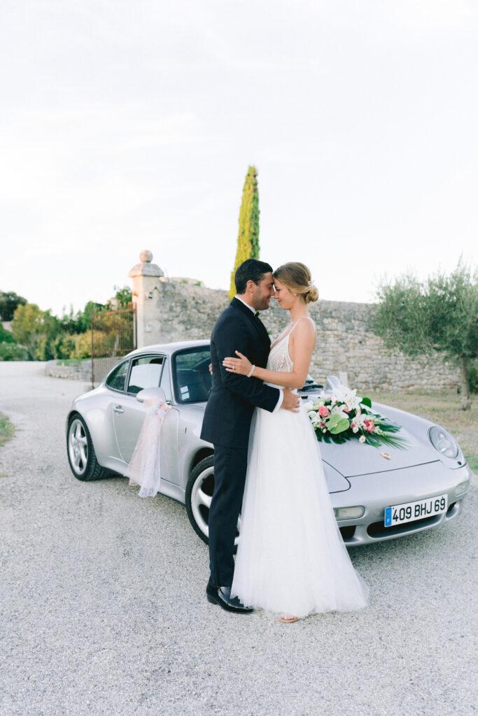photo de couple mariage voiture wedding planner drome