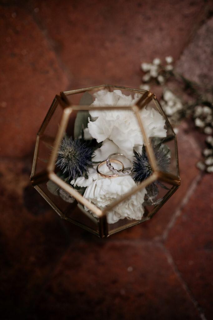 terrarium boite a alliance doré bleu blanche wedding planner lyon organisation mariage beaujolais